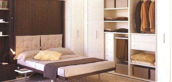 Zložljiva postelja